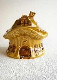 Ceramic Mushroom Cookie Jar Vintage Metlox by AletaFordBakerDesign