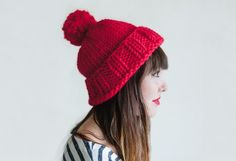 """The Big Hat,"" by Davina Choy, knit with super-bulky yarn - Malabrigo Rasta or Caracol. Beginner Knitting Patterns, Knitting For Beginners, Free Knitting, Knitting Projects, Knitting Tutorials, Knitting Ideas, Big Knits, Super Bulky Yarn, Yarn Tail"