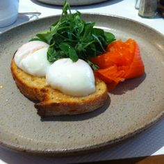 Breakfast @ Cafe Vue Breakfast Cafe, Cafe Menu, Poached Eggs, Wine Recipes, Mornings, Presentation, Packaging, Meals, Dining