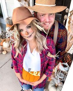 Pregnant Couple Halloween Costumes, Farmer Halloween Costume, Farmer Costume, Halloween Pregnancy Shirt, Pregnancy Costumes, Mom Costumes, Skeleton Halloween Costume, Diy Halloween Costumes For Women, Cute Halloween
