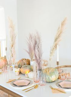 A Pastel Friendsgiving with A Modern Menu.