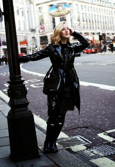 READY FOR THE RAIN - Click for Framboise Fashion in Music Ambiance http://gv.lauderlis.net/framboise_fashion_1.php