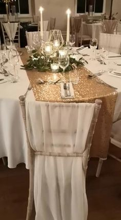 Gold Table Runners, Wedding Table Runners, Chiavari Chairs Wedding, Gold Table Decor, Gold Runner, Wedding Venues, Decor Wedding, Wedding Table Ideas Elegant, Winter Wedding Venue