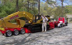 Remote control truck and excavator Big Rig Trucks, Mini Trucks, Dump Trucks, Cool Trucks, Model Cars Building, Custom Big Rigs, Heavy Truck, Hot Rides, Diecast Model Cars