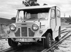 Mini Moke with rail rims Locomotive, Classic Mini, Classic Cars, Vintage Cars, Antique Cars, Austin Cars, Trains, Rail Car, Electric Cars