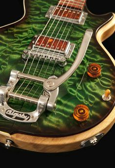 LaRose Guitars custom guitar - definitely visite the site, beautiful guitars! Music Guitar, Cool Guitar, Acoustic Guitar, Banjo, Unique Guitars, Custom Guitars, Mandoline, Guitar Photos, Guitar Collection