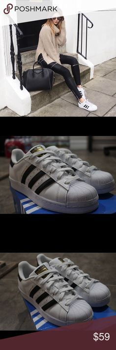 Adidas Originals Superstar Sneaker 👟 Only wore once, not really my style.  Leather/synthetic leather/textile Imported Rubber sole Men's Size 4.5 Women's Size 6.5 Box included  No holds/No Trades 🚫 adidas Shoes Athletic Shoes