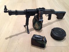 Airsoft hub is a social network that connects people with a passion for airsoft. Talk about the latest airsoft guns, tactical gear or simply share with others on this network Military Weapons, Weapons Guns, Airsoft Guns, Guns And Ammo, Light Machine Gun, Machine Guns, Larp Armor, Shooting Guns, Fire Powers