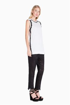 www.twinset.com en-GB embroidered-t-shirt-p9059?s