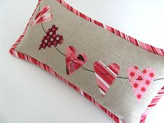 V-Day Pillow - tutorial link in article: like the trim on this pillow version.