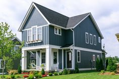 Exterior Siding Combinations Floor Plans Ideas For 2019 House Siding, House Paint Exterior, Exterior Siding, Exterior House Colors, Exterior Design, Board And Batten Exterior, Vertical Siding, Small Cottage Homes, Lake House Plans