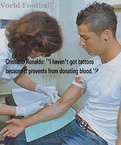 """""""I haven't got tatoos because it prevents from donating blood"""" Cristiano Ronaldo Madrid Football, Football Love, World Football, Football Memes, Cristino Ronaldo, Cristiano Ronaldo Cr7, Misha Collins, Ronaldo Quotes, Cr7 Quotes"""