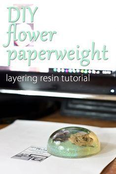 DIY Flower Paperweight – Layering Resin Tutorial via Diy Resin Flowers, Paper Flowers Diy, Diy Paper, Craft Flowers, Diy Resin Crafts, Easy Crafts, Diy And Crafts, Rose Tutorial, Photo Tutorial