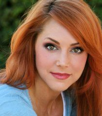 Michelle Specht is a actress and she wanted to play a nurse in Star Trek Continues. Beautiful Redhead, Beautiful Women, Star Trek Continues, Star Terk, Tv Girls, Pretty Woman, Pretty Girls, Pretty Eyes, Hot Actresses