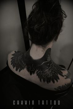 2 heads Raven on Laura jane grace. freehand work in Kyoto,Japan. GAKKIN TATTOO
