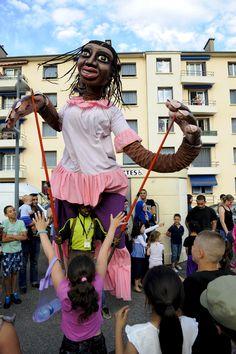 Les grandes personnes de Boromo fêtes des Invites à Villeurbanne Copyright: Eric Le Roux