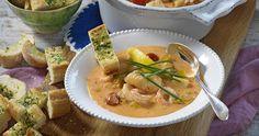 Festlig fiskgryta med räkor recept | Allas Recept Thai Red Curry, Risotto, Fish, Dinner, Ethnic Recipes, Dining, Pisces, Food Dinners, Dinners