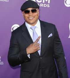 Fashion At The American Country Music Awards American Country Music Awards, Academy Of Country Music, Tv Ratings, Carrot Top, Ll Cool J, Steve Martin, Kids Choice Award, Movie Tv, Beautiful People