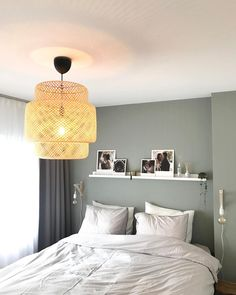 Bedroom - interior view at Casaleander - From the Interior .- Bedroom - interior view at Casaleand Green Bedroom Design, Bedroom Green, Bedroom Colors, Bedroom Inspo, Home Decor Bedroom, Bedroom Wall, Master Bedroom, Bedroom Ideas, Bedroom Modern