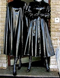 i want clown cummies Vinyl Raincoat, Pvc Raincoat, Plastic Raincoat, Raincoat Outfit, Mode Latex, Black Raincoat, Rubber Raincoats, Capes, Pvc Coat