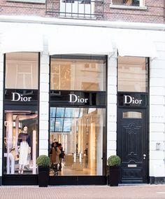 Teljänneito Dior in Amsterdam