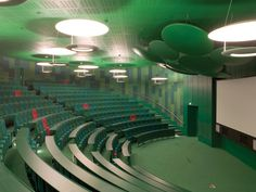 Queen Mary University, Medical School Building, Alsop Design. Lecture theatre