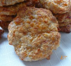 Sajtos zabfalatok Hungarian Recipes, Muffin, Paleo, Dairy, Healthy Recipes, Cheese, Breakfast, Food, Morning Coffee