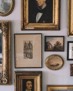 Vintage Home Decor .Vintage Home Decor Elegant Homes, Elegant Home Decor, Botanical Prints, Cheap Home Decor, Belle Photo, Art Gallery, Gallery Walls, Decoration, Dark