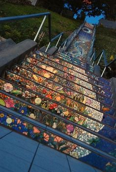 Mosaic stairs 'Tiled Steps' in San Francisco at the intersection of Ave. and Moraga.Mosaic stairs by Colette Crutcher. Mosaic Garden, Mosaic Art, Mosaic Glass, Garden Art, Stained Glass, Gaudi Mosaic, Glass Art, Leaded Glass, Mosaic Tiles