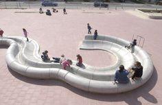 Play modules, Primary school de Burgst, Breda, Netherlands AnneMarie van Splunter, 2003 | Playscapes