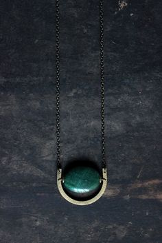 Aventurine necklace, Aventurine pendant,art deco necklace,minimalist necklace,dark green,Geometric necklace,hammered brass half moon necklace ▼Note▼Now the necklace has been improved .The LAST TWO PICTURES SHOWED ones are for sell. ▼Note▼ Raw brass circles maybe have black spots on it which will patina in the future . ▼Note▼ Every natural aventurine is unique ,I will sent you at random . ▼The antique plated brass chain . ▼ Pendant: 32mm*25mm ▼ Chain length:70cm ▼This price only for one…