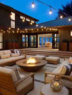 comfortable backyard patio design ideas for autumn season inspiration 11 Backyard Seating, Backyard Patio Designs, Backyard Landscaping, Fire Pit Seating, Modern Landscaping, Landscaping Ideas, Dream Home Design, Modern House Design, Outdoor Fireplace Designs