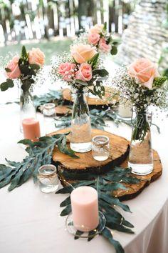 Fresh Wedding Flowers - Have You Ordered These Nine Arrangements For Your Wedding Day? Wedding Table Centerpieces, Wedding Flower Arrangements, Diy Wedding Decorations, Wedding Flowers, Decor Wedding, Wedding Souvenir, Wedding Favors, Chic Wedding, Rustic Wedding