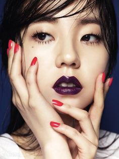 purple lip + red nails
