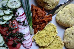 Błyskawiczne i uniwersalne chlebki na bazie mąki orkiszowej i jaglanej. Pasują…