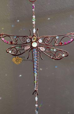 Super sparkly Dragonfly Gemstone Suncatcher, Swarovski Crystal window ornament wire art, patio decor home garden rainbow maker pink blue red Beaded Dragonfly, Dragonfly Art, Wire Wrapped Jewelry, Wire Jewelry, Beaded Jewelry, Jewlery, Wire Crafts, Jewelry Crafts, Sun Catchers