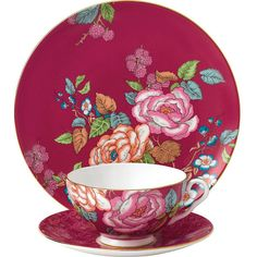 Wedgwood Raspberry tea garden 3-piece china set ($79) ❤ liked on Polyvore featuring home, kitchen & dining, drinkware, tea saucer, wedgwood cup, tea cup, wedgwood saucer and wedgwood