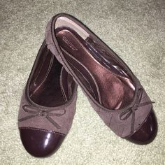 Brown leather and suede Flats with bow detail Brown suede with patent leather toe flats with bow detail size 7 Wanted Shoes Flats & Loafers
