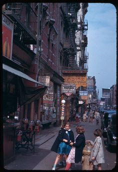 some of my favorite old pics of nyc which are taken in 1942. this is when my great-grandparents lived in new york and they were immigrants so it is cool to see what they saw considering how different the city is now.