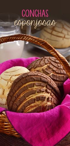 The shell is a traditional Mexican sweet bread, which is often consumed in homes in Mexico, the most common are the vanilla and chocolate, do not miss the opportunity to make this spongy bread that you can enjoy with a glass of cold milk. Mexican Sweet Breads, Mexican Bread, Pan Dulce, Bagels, Bakery Recipes, Cooking Recipes, Best Mexican Recipes, Pan Bread, Cupcakes