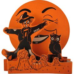 Beistle Halloween Fold Out Scarecrow and Moon Decoration Retro Halloween, Beistle Halloween, Vintage Halloween Images, Halloween Moon, Halloween Magic, Vintage Halloween Decorations, Halloween Displays, Halloween Prints, Halloween Pictures