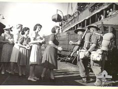 Australian Comfort Fund workers greeting soldiers from the H. Katoomba with bags of fruit. Many Men, World War Two, Soldiers, Wwii, Korea, Germany, Hero, Women's Fashion, Fruit