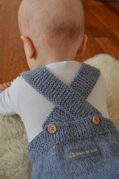 Bilderesultat for strikket vest baby Fingerless Gloves, Baby Knitting, Arm Warmers, Knitting Patterns, Projects To Try, Vest, Fashion, Knit Jacket, Beret