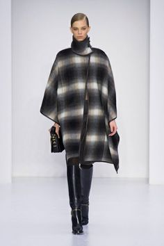 MMD FW 2014/15 – Salvatore Ferragamo. See all fashion show on: http://www.bmmag.it/sfilate/mmd-fw-201415-salvatore-ferragamo/ #fall #winter #FW #catwalk #fashionshow #womansfashion #woman #fashion #style #look #collection #MMDFW #salvatoreferragamo @Salvatore Ferragamo
