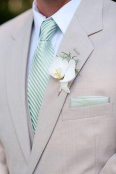 ideas wedding suits men green bridesmaid dresses for 2019 Wedding Groom, Wedding Men, Wedding Suits, Wedding Attire, Trendy Wedding, Dream Wedding, Wedding Ideas, Wedding Tuxedos, Wedding Stage