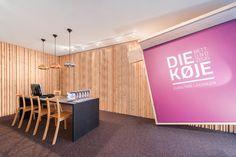 Schauraum Die Koje Dornbirn | Atelier Ender | Architektur Showroom, Divider, Furniture, Home Decor, Atelier, Apartment Master Bedroom, Bed, Architecture, Homes