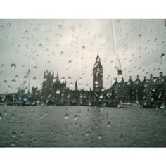 Houses of Parliament through the rain ❤ liked on Polyvore featuring backgrounds, pictures and filler