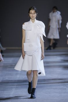 Viktor Horsting and Rolf Snoeren present their latest couture collection in Paris Viktor Rolf, Classic White Shirt, Ralph And Russo, Paris, Spring Summer 2016, Couture Collection, Night Gown, Peplum Dress, Ideias Fashion