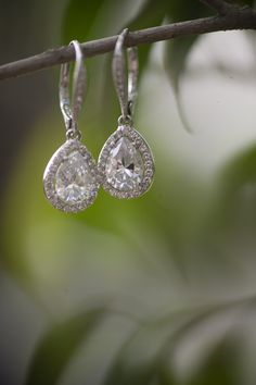 Stunning diamond drop-earrings that every bride would love! {Ron Miller Photography}