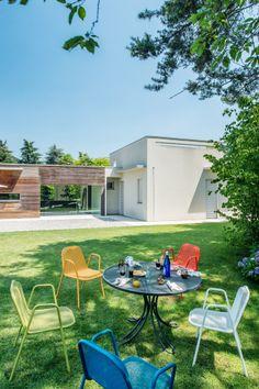 Sedie da giardino: Sedia Golf da Emu | Design: Chiaramonte & Marin | Collezione: Golf | Anno: 2013 | Materiali: Acciaio | #design #outdoor #arredamento per #esterni #sedute #salonedelmobilemilano2014 |